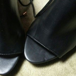 Aldo Shoes - Womens Aldo Block Heels sz 6